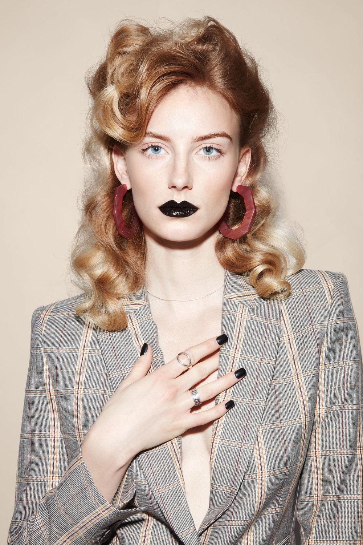 sarah-cochran-wardrobe-stylist-fashion-stylist-editoral-stylist-minneapolis-2.jpg
