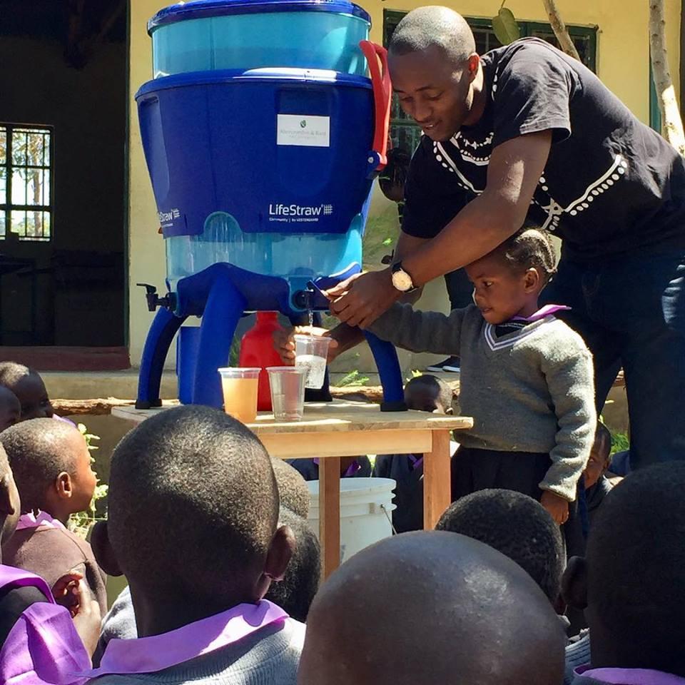 Lifestraw filters potable water kenya