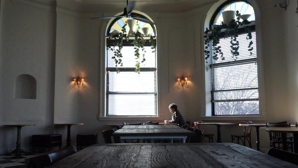 Pascale Bussières dans Impetus_fenêtres © Jennifer Alleyn.jpg