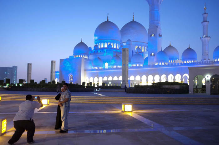 © Antonie Robertson - Sheikh Zayed Mosque in Abu Dhabi