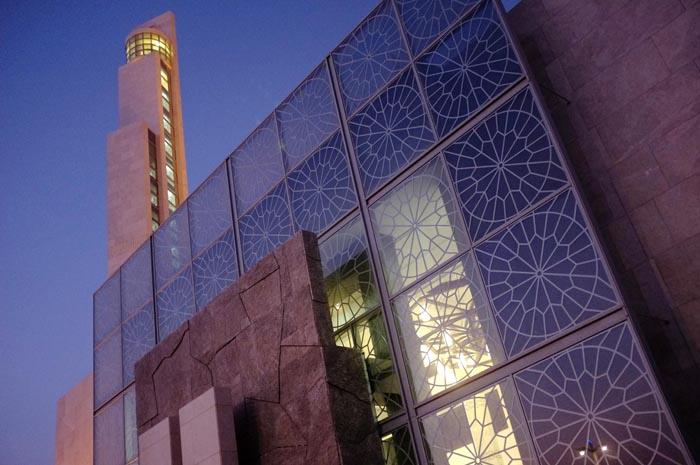 Antonie+Roberston_Ramadan_Palm+Jumeriah+Mosque+2.jpg