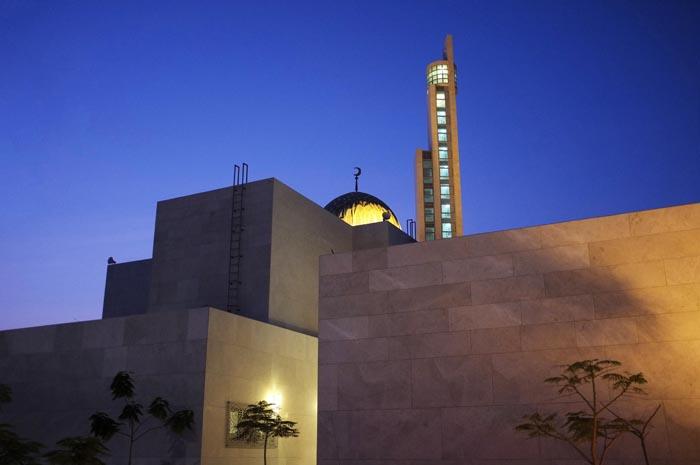 Antonie+Robertson_Ramadan_Palm+Jumeirah+Mosque_1.jpg