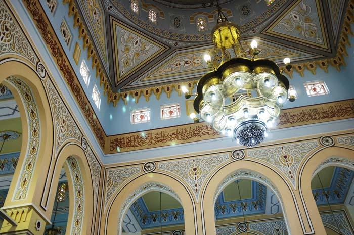 Antonie+Robertson_Ramadan_Jumeirah+Mosque+2.jpg
