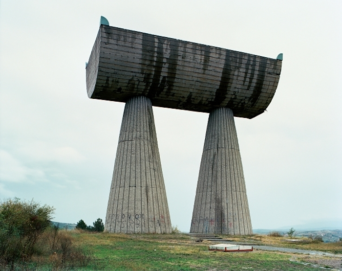 © Jan Kempenaers - Spomenik # 19 (Mitrovica)
