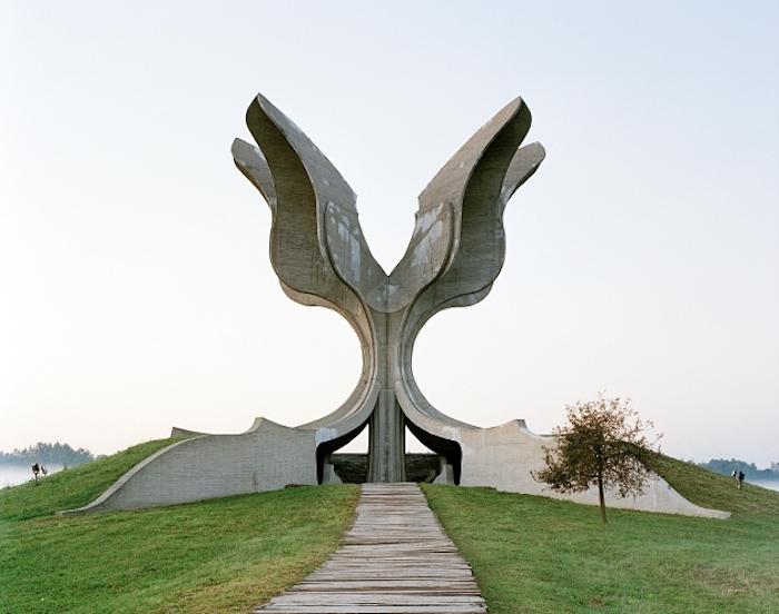 © Jan Kempenaers - Spomenik # 9 (Jasenovac)
