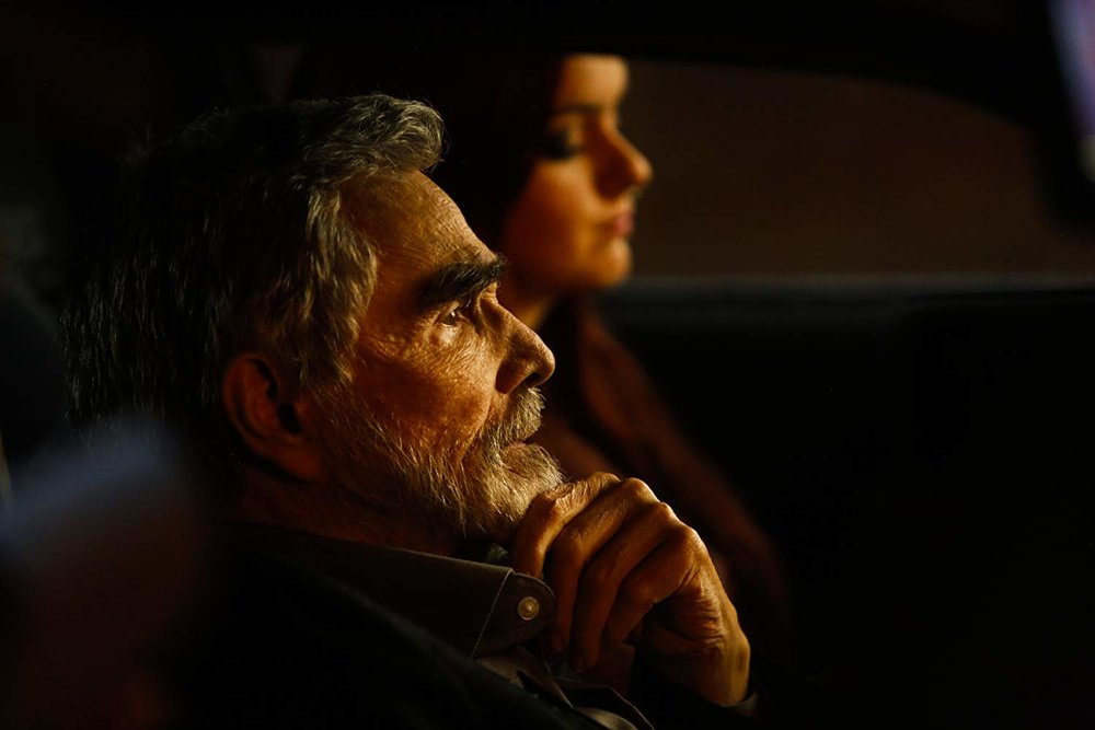 Burt Reynolds and Ariel Winter in Dog Years (2017)