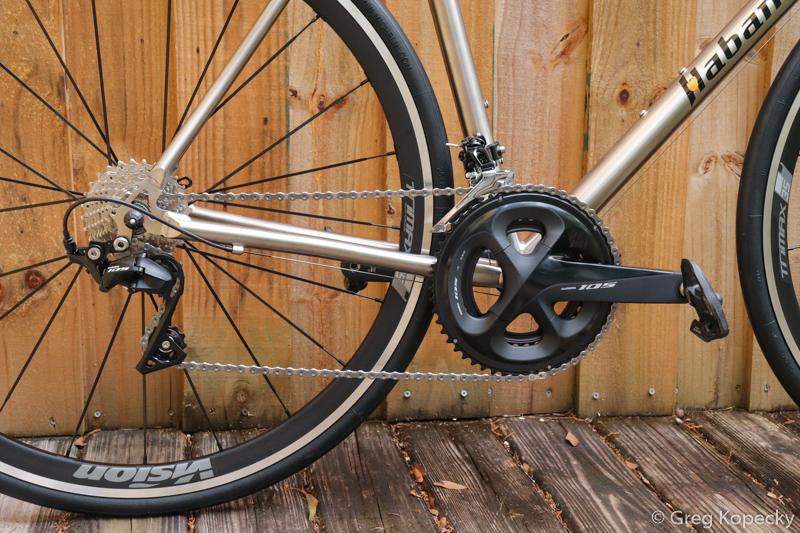 Habanero-Cycles-titanium-road-bike-Shimano-105-R7000-Minimal-Multisport-3.jpg