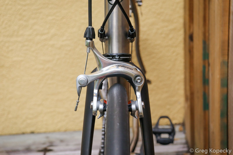 Up front: The outstanding Whisky No.7 Mid Reach fork has ample clearance.