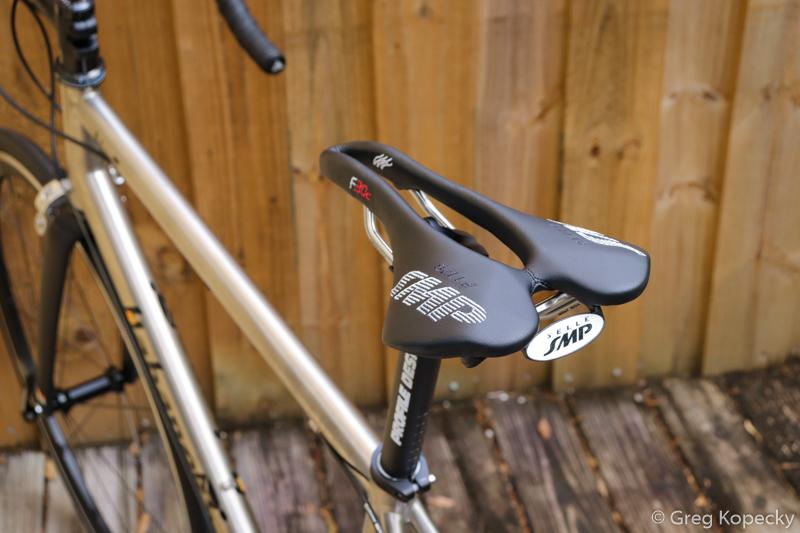 Habanero-Cycles-titanium-road-bike-Selle-SMP-F30C-Minimal-Multisport-11.jpg