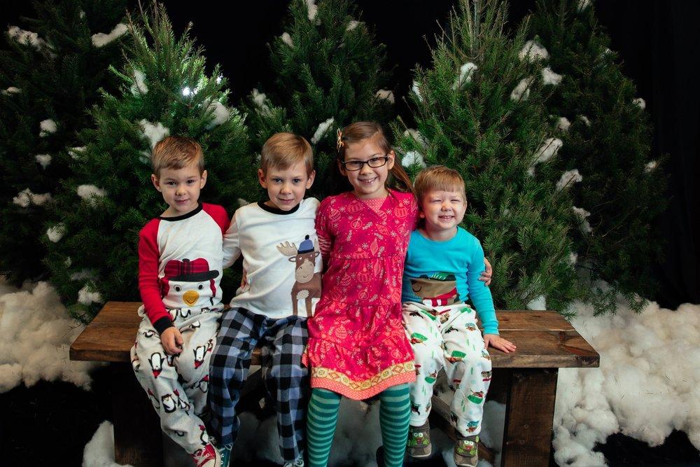 146_ChristmasForGwinnett_Sat_.jpg