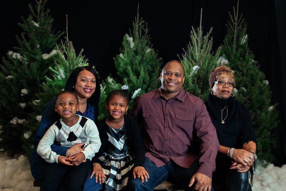 149_ChristmasForGwinnett_Sat_.jpg