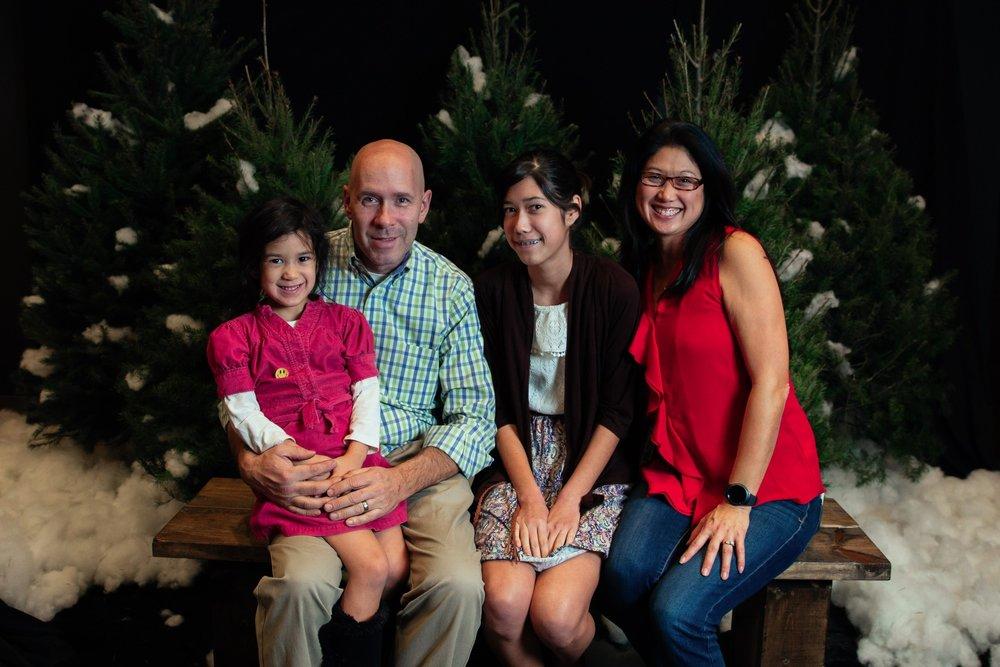 200_ChristmasForGwinnett_Sat_.jpg