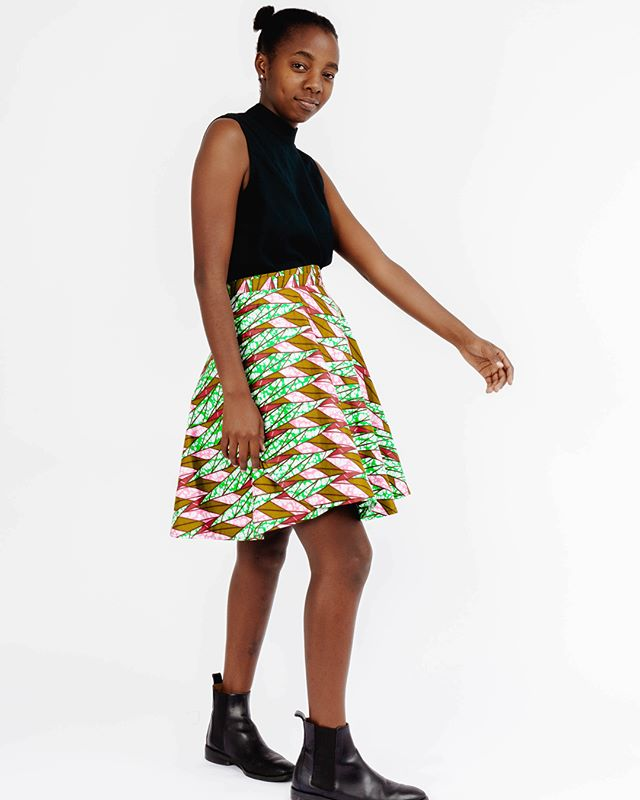 We are so in love with this fun green skirt🤩 ethically made by talented artisans in Uganda. Good for them. Good for you. Because clothing shouldn't cost them their lives and ethical clothing shouldn't cost your life's savings.