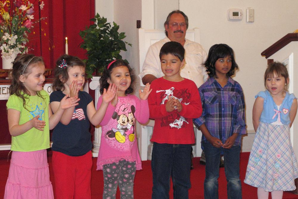 04-Pict-04-Childrens Church-3x2.jpg