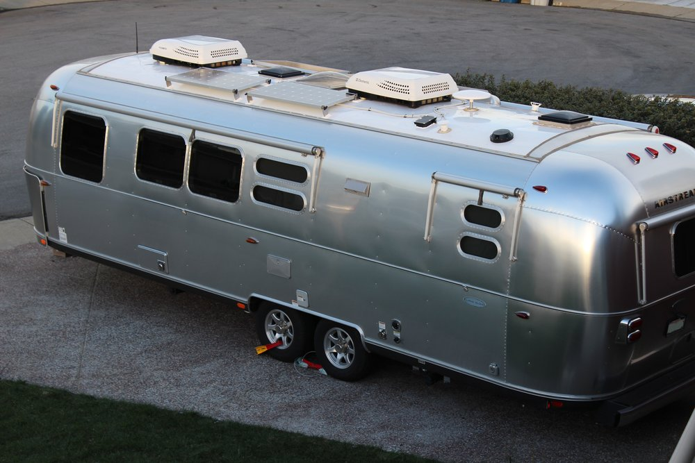2016 Airstream Flying Cloud 30RB - View Gallery
