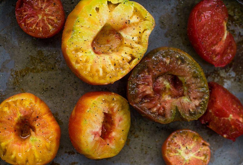 No Sugar Added Sweet Tomato Sauce | shutupeatthis.com