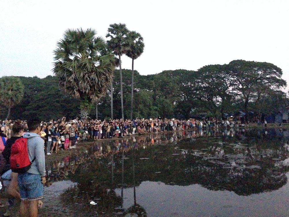 Ankor Wat ppl.JPG