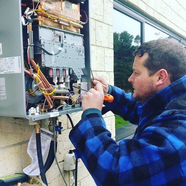 Need an EXPERT for your gas system ? CALL Seal your CERTIFYING Gas fitter.  #PLUMBER #PLUMBERS #RENOVATION #PROFESSIONAL #REPAIR #TRADESMAN #MAINTENANCE #NATURALGAS #GASFITTER #GASFITTERS #GASFITTING #WORLDPLUMBERS #AUCKLAND #AUCKLANDCITY