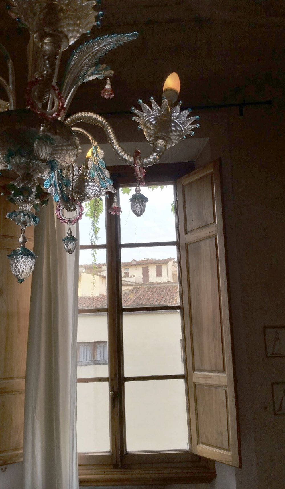 venetian chandy w window.jpg