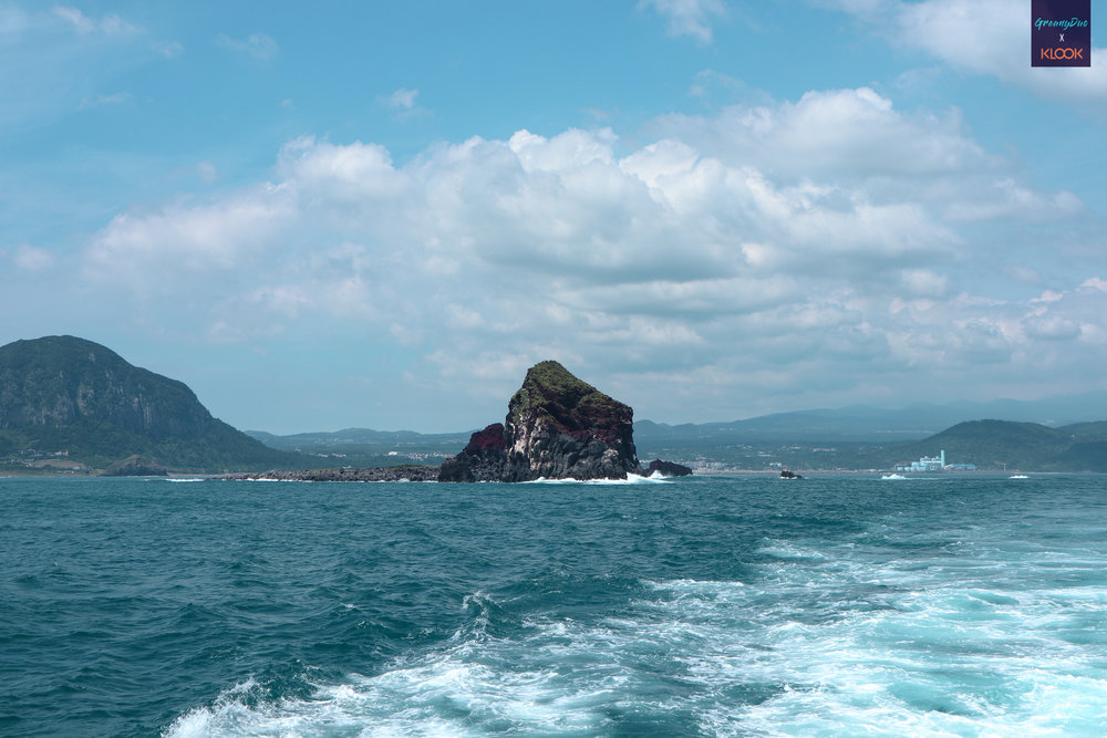view from sanbang cruise, jeju