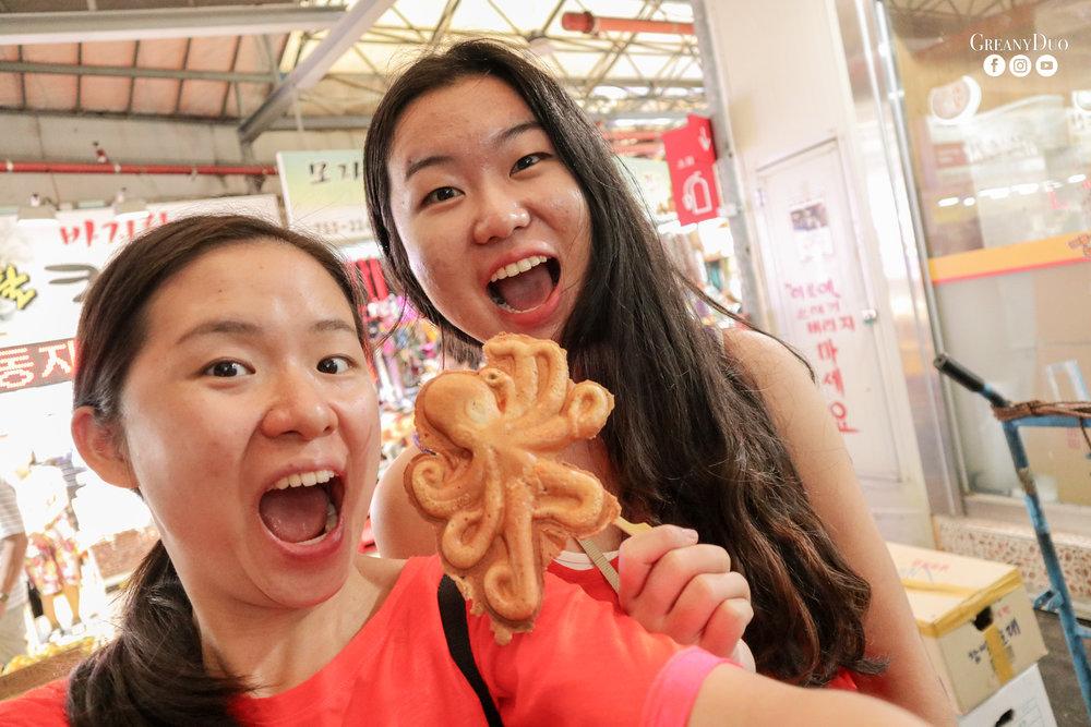 cheese octopus bread, dongmun market, jeju