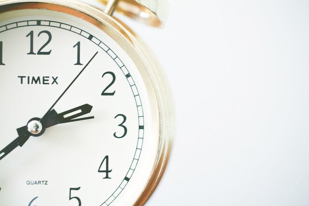 Neem de tijd - Voor mediteren moet je tijd vrijmaken, dit kun je niet even snel tussendoor doen. Daarom heb ik een paar keer per week standaard 15 minuten ingepland voor meditatie en probeer ik regelmatig nieuwe oefeningen uit.