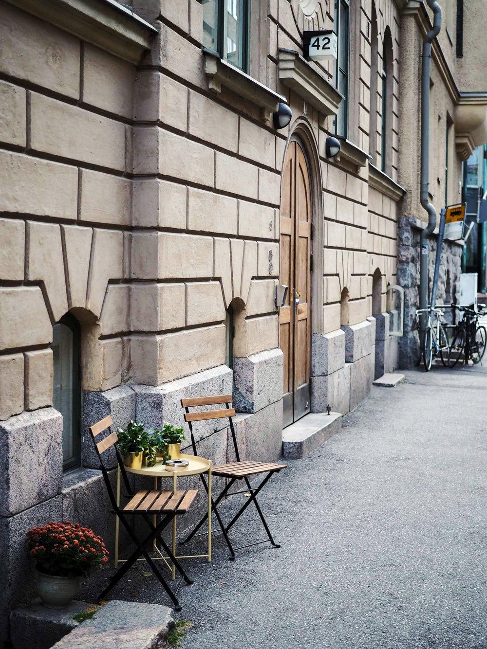 Tuolit odottamassa istujia, Helsinki syyskuu 2018.
