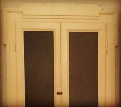 Nuova avventura milanese . . . #architecture #interiordesign #milano #traditionaldoor #doorlove #traditionalarchitecture #mezzosanguelab #followus