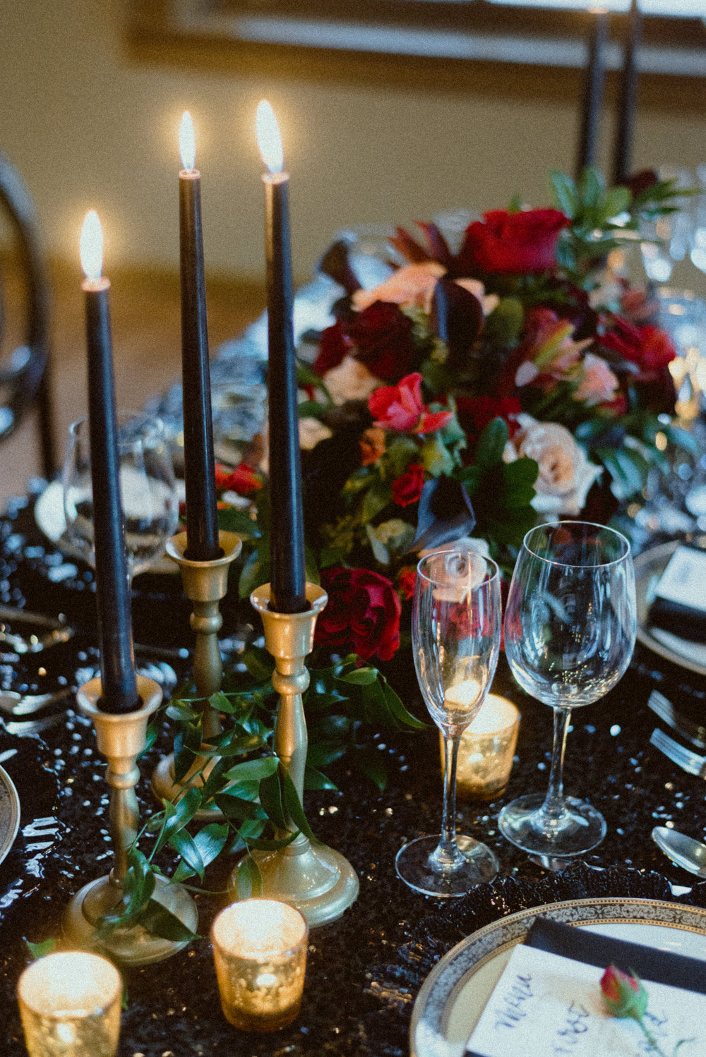B RITTANY BAYS PHOTOGRAPHY | BLOSSOMS WEDDINGS CINCINNATI | BACKSTAGE EVENT CENTER | BLACK AND RED WEDDING DECOR
