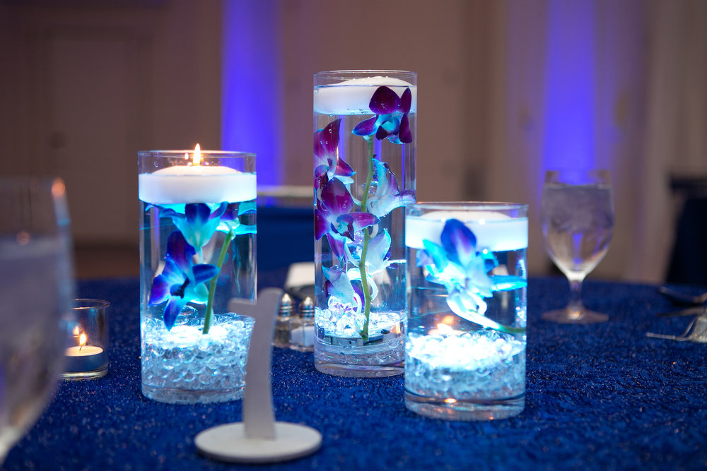 M EGAN NIXON PHOTOGRAPHY | 21C MUSEUM HOTEL CINCINNATI | BLUE WEDDING CENTERPIECE | CINCINNATI WEDDING FLORIST | CINCY WEDDING PLANNER