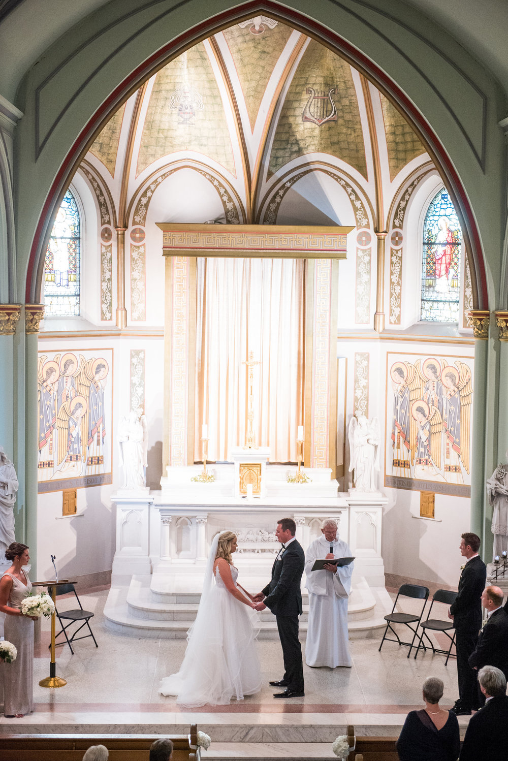 red queen photography, st. aloysius chapel, cincinnati wedding