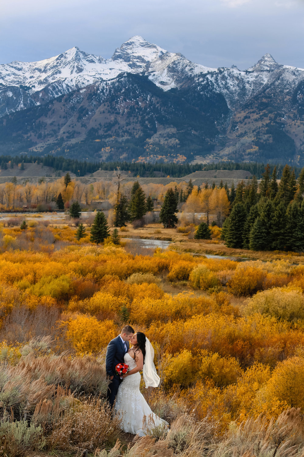 GRAND TETON NATIONAL PARK, NATIONAL PARK WEDDING, WYOMING WEDDING, GRAND WEDDINGS, AUTUMN WEDDINGS, JACKSON HOLE