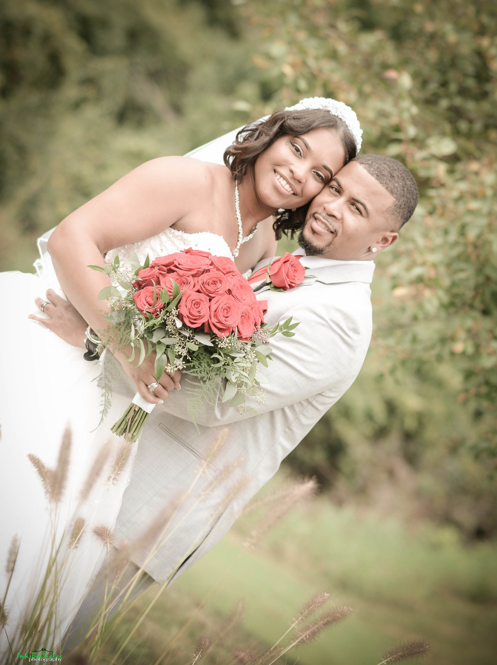 RED AND WHITE WEDDING - DAYTON WEDDING - DAYTON WEDDING COORDINATOR