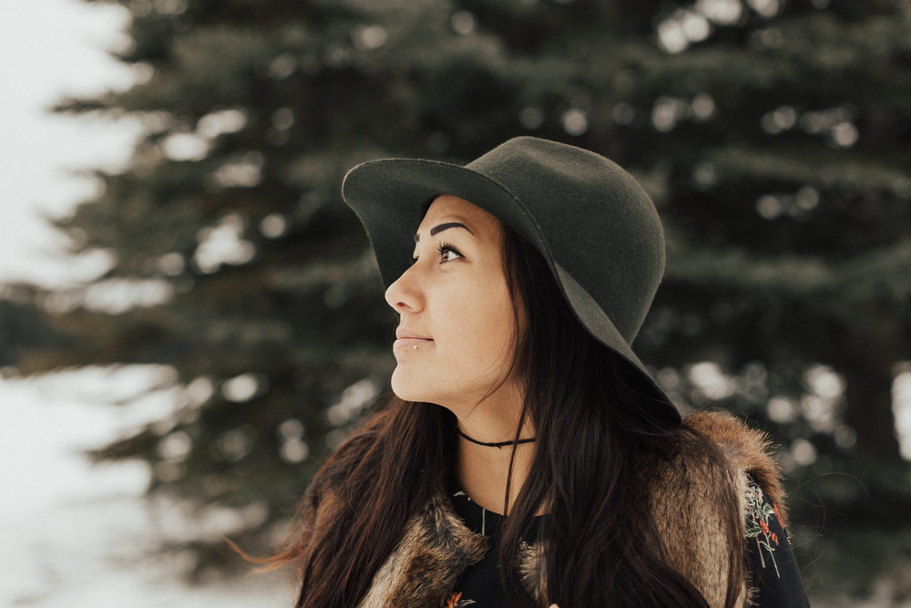 Banff Engagement Photographer - Winter Mountain Adventure Engagement Session - Michelle Larmand Photography-024