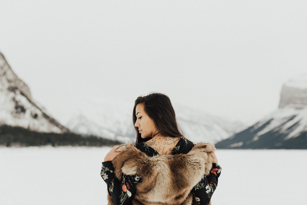 Banff Engagement Photographer - Winter Mountain Adventure Engagement Session - Michelle Larmand Photography-048