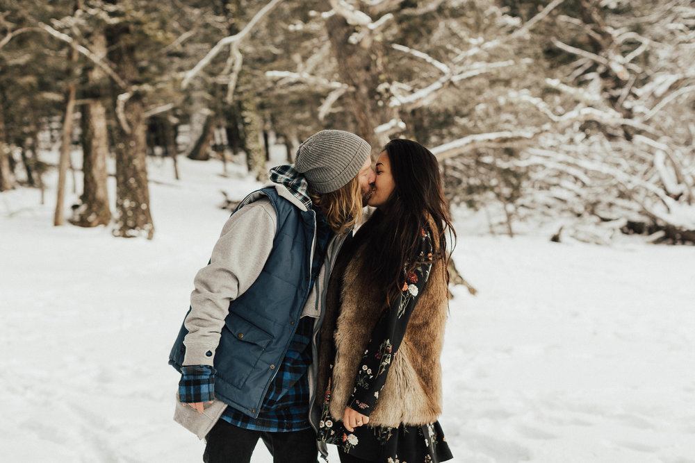 Banff Engagement Photographer - Winter Mountain Adventure Engagement Session - Michelle Larmand Photography-080