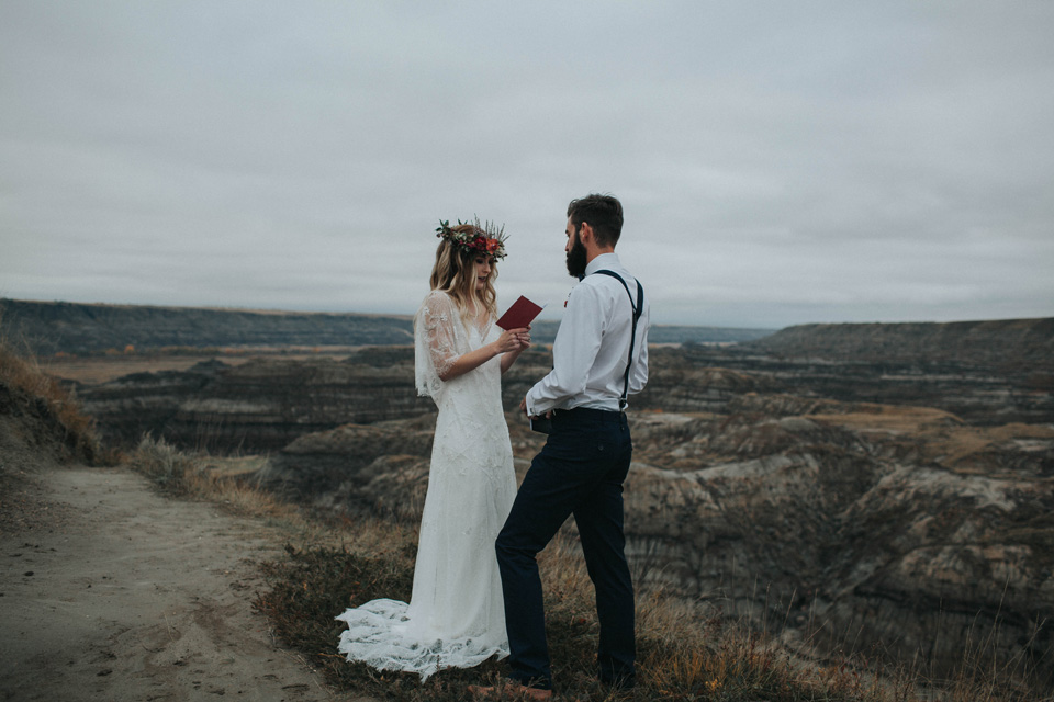 Drumheller Vow Renewal Elopement - Michelle Larmand Photography040
