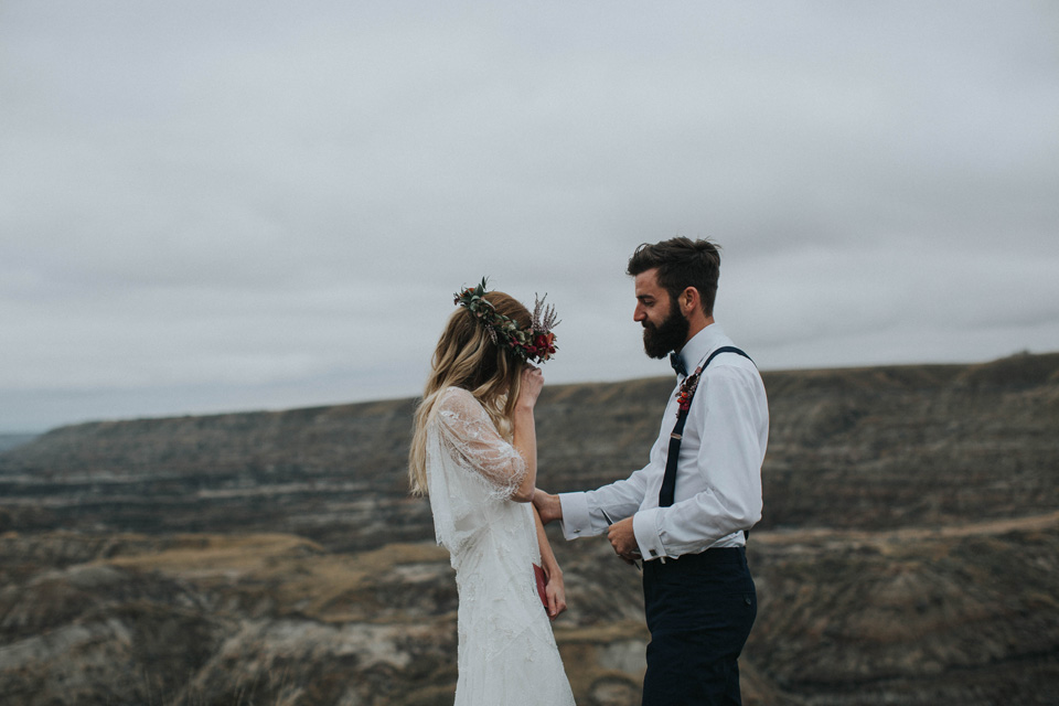 Drumheller Vow Renewal Elopement - Michelle Larmand Photography043