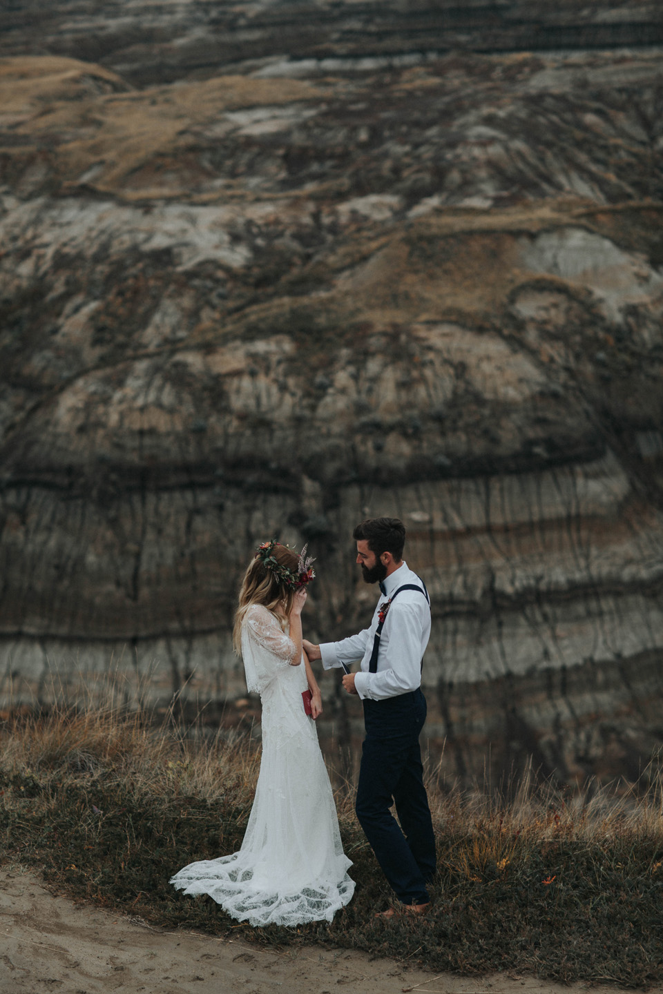 Drumheller Vow Renewal Elopement - Michelle Larmand Photography045