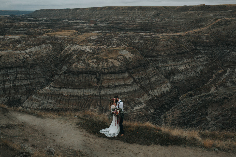 Drumheller Vow Renewal Elopement - Michelle Larmand Photography048
