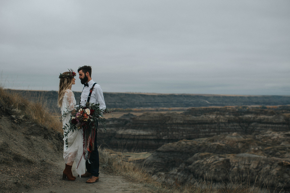 Drumheller Vow Renewal Elopement - Michelle Larmand Photography049