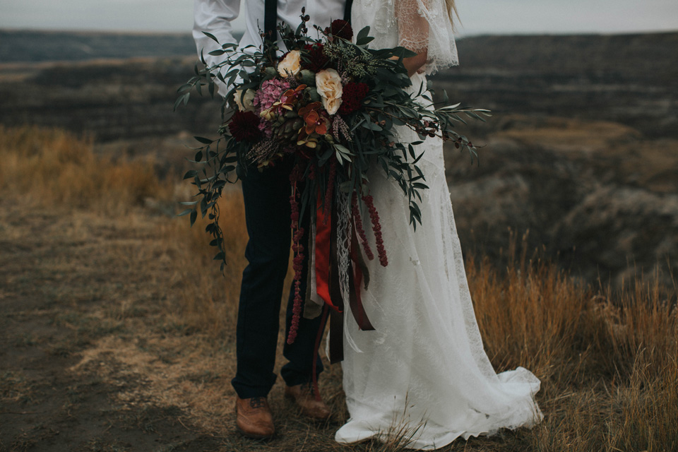 Drumheller Vow Renewal Elopement - Michelle Larmand Photography071