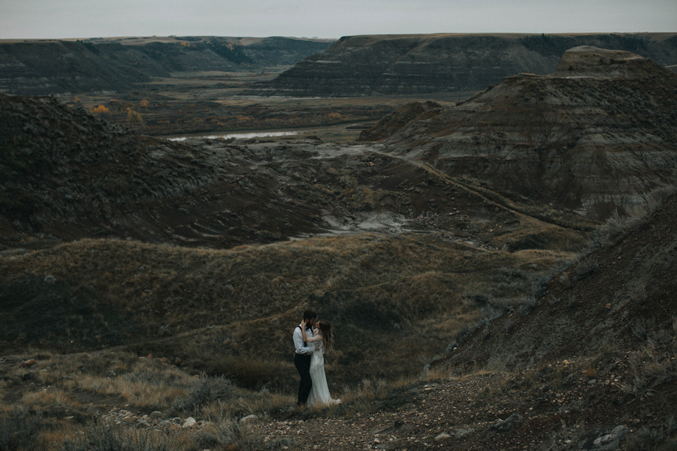 Drumheller Vow Renewal Elopement - Michelle Larmand Photography080