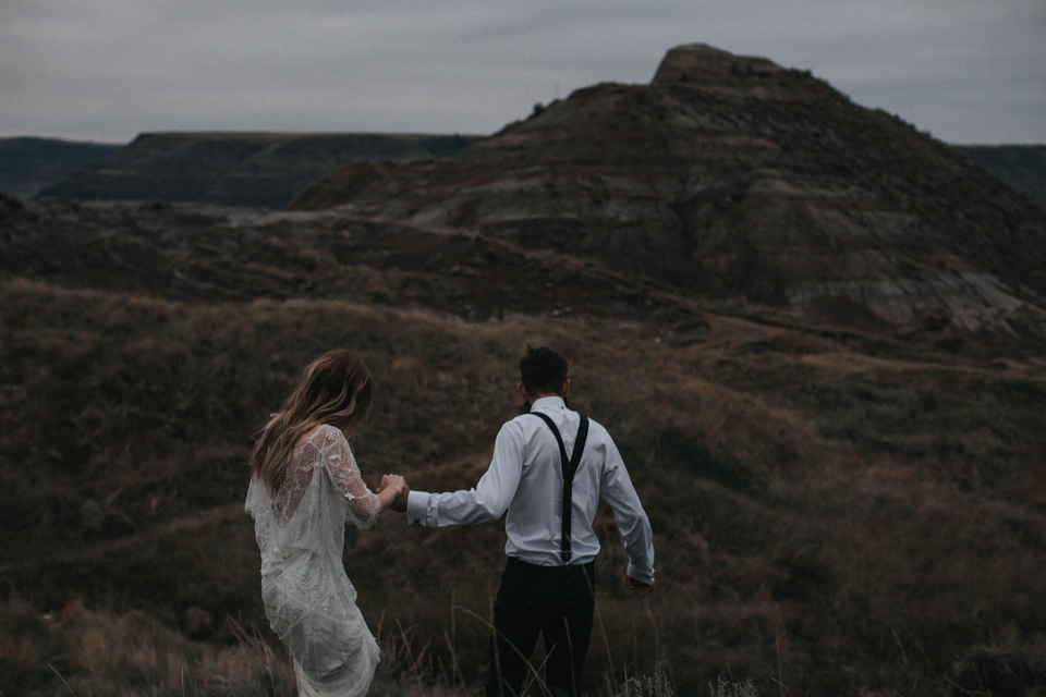 Drumheller Vow Renewal Elopement - Michelle Larmand Photography089