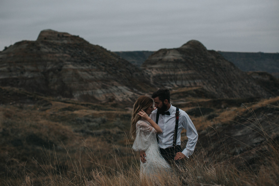 Drumheller Vow Renewal Elopement - Michelle Larmand Photography090