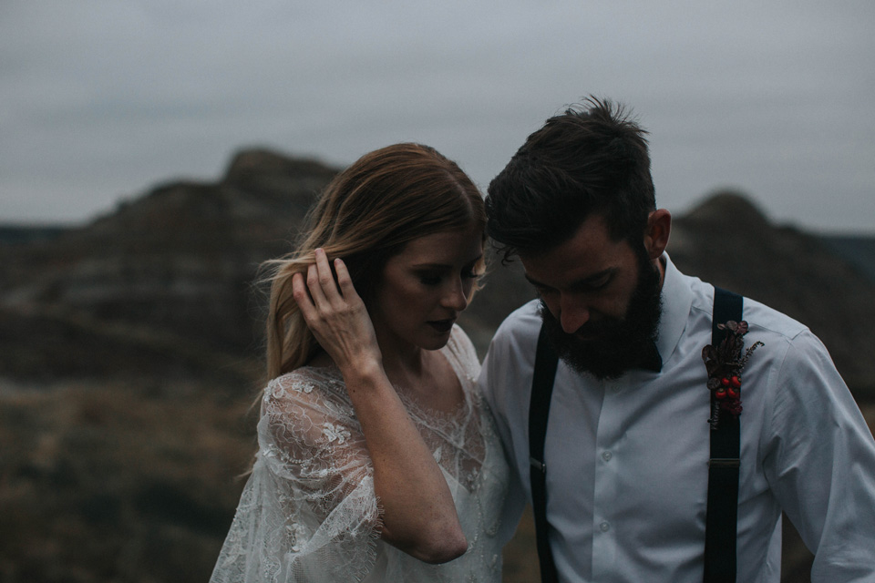 Drumheller Vow Renewal Elopement - Michelle Larmand Photography093
