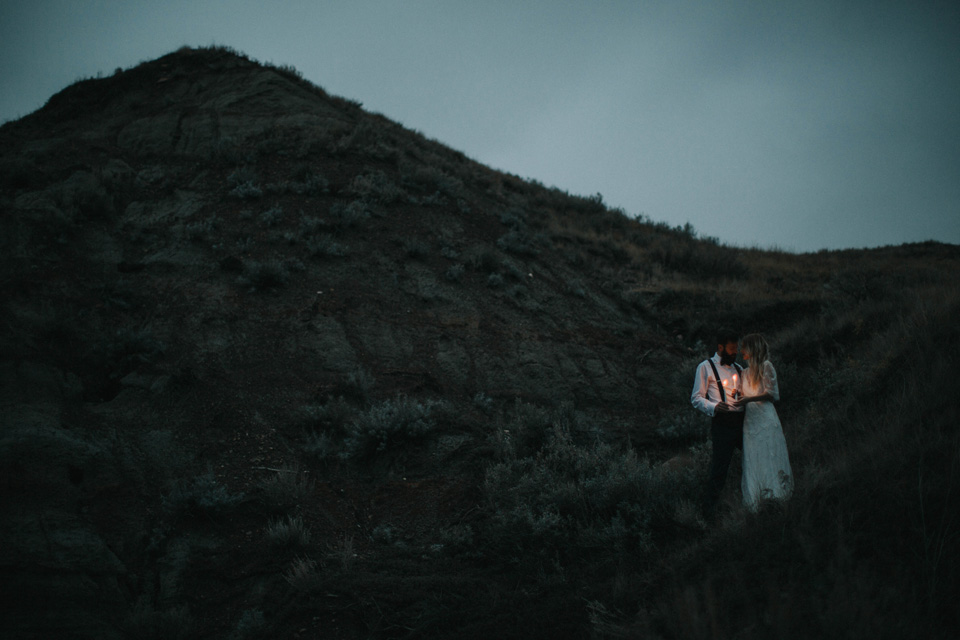 Drumheller Vow Renewal Elopement - Michelle Larmand Photography098