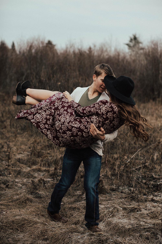 Edmonton Engagement Photographer - Michelle Larmand Photography - Mossy woods engagement session008