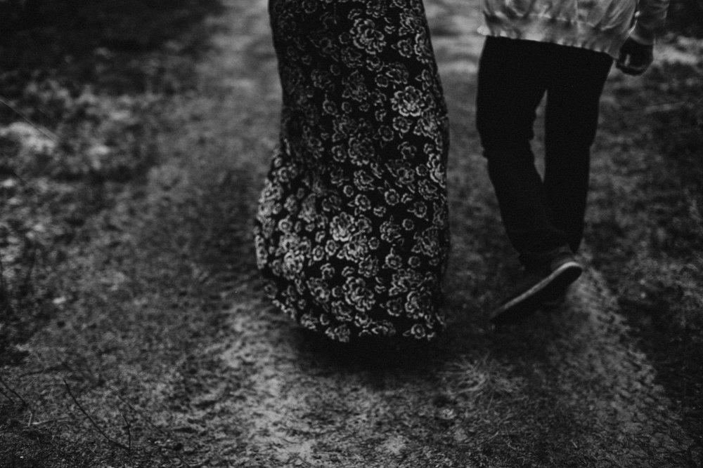 Edmonton Engagement Photographer - Michelle Larmand Photography - Mossy woods engagement session029