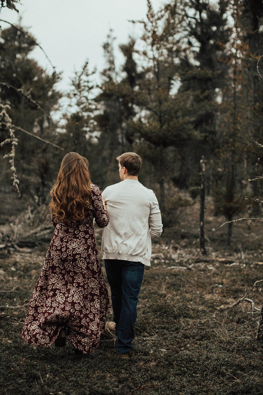Edmonton Engagement Photographer - Michelle Larmand Photography - Mossy woods engagement session045